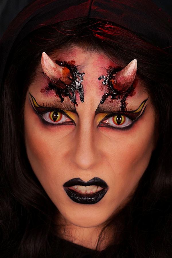 Maquillage diablesse par Alicia Ré maquilleuse professionnelle pour Halloween