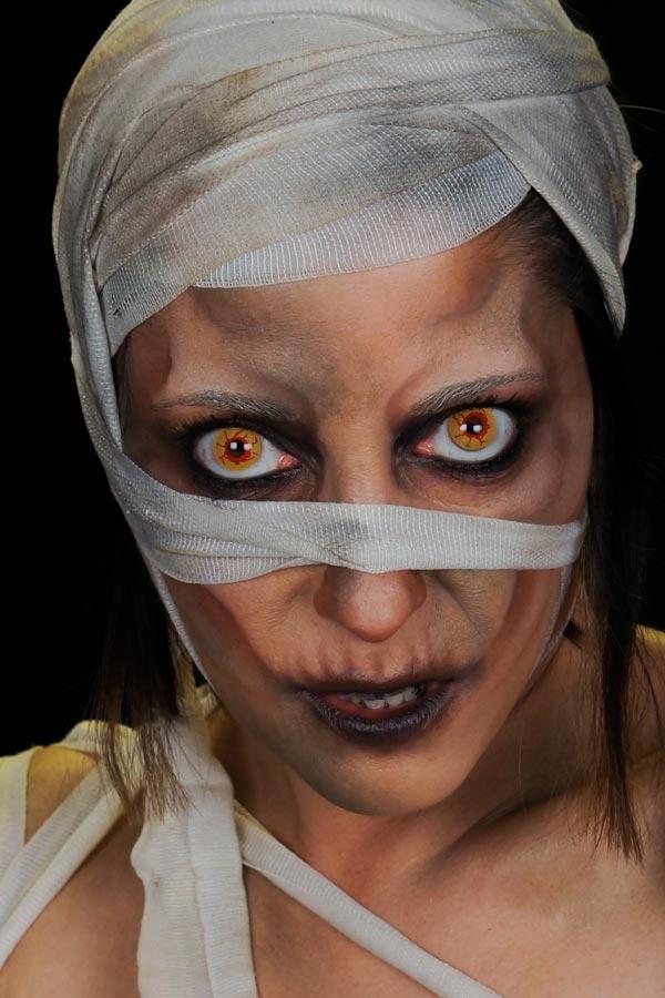 Maquillage Halloween momie par Alicia Ré maquilleuse professionnelle pour Face2Face Makeup