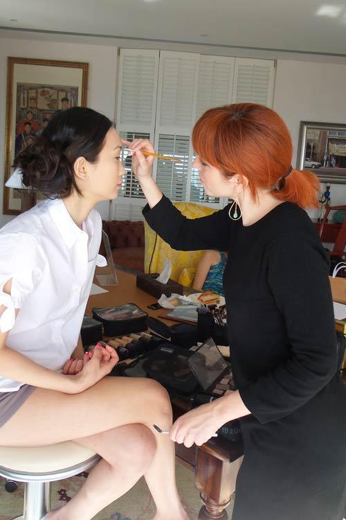 Préparation et mise en beauté sur peau asiatique par Alicia maquilleuse professionnelle